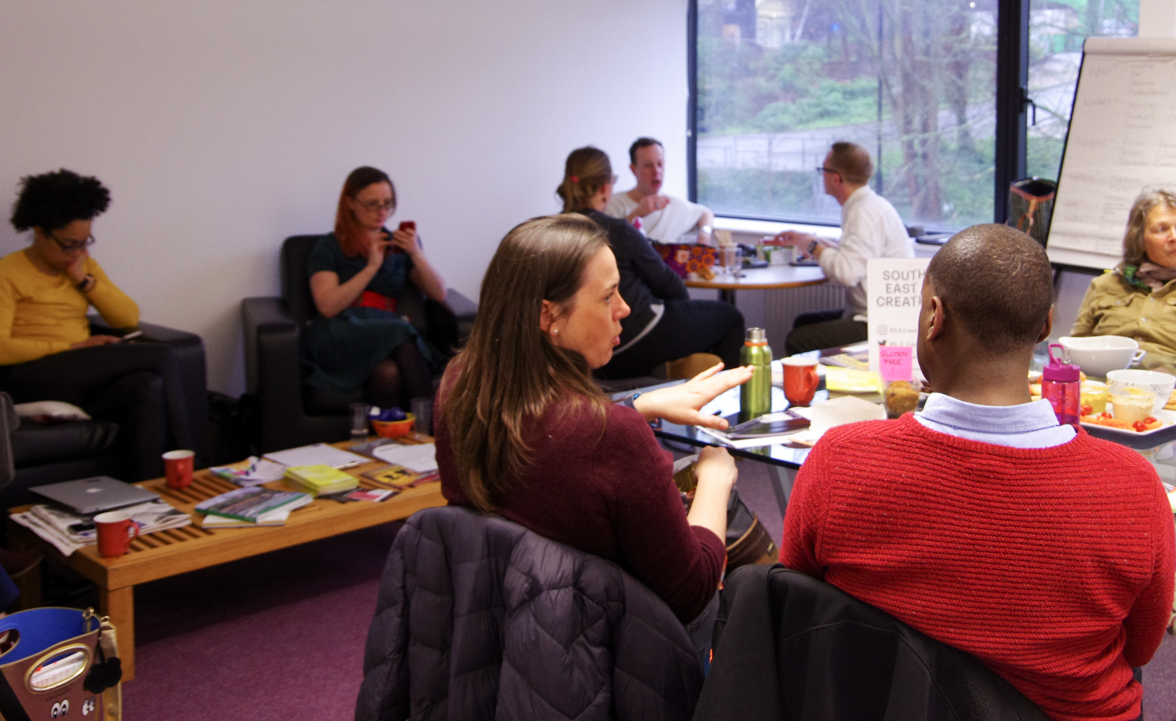 A group of South East Creatives socialising in a breakout room